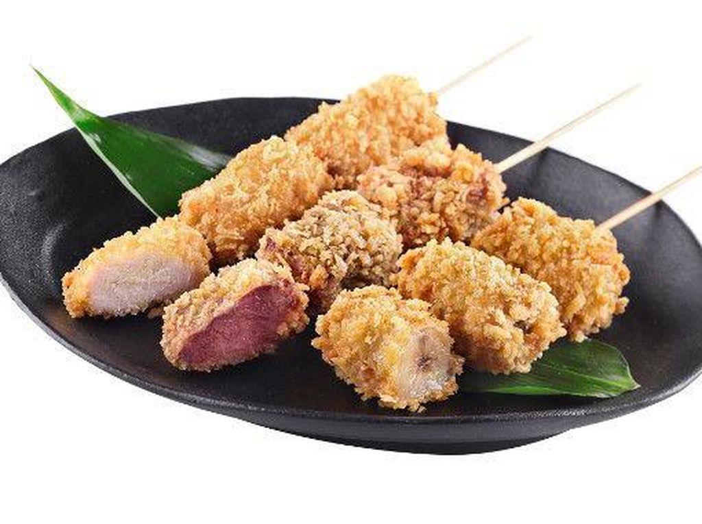 Jajan Yakitori Kaki Lima hingga Seafood di BKT Jakarta Timur