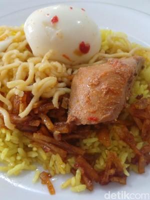 Belum Sah ke Ternate, Kalau Belum Coba Nasi Kuning