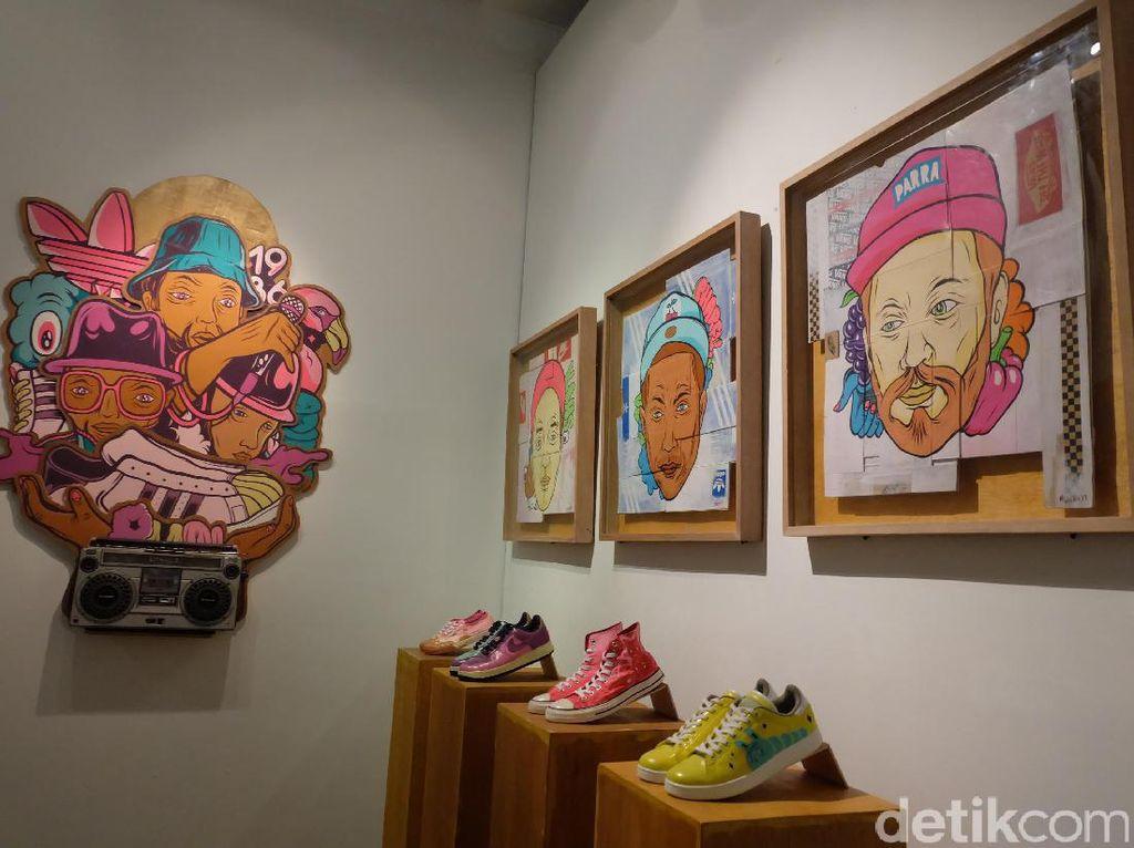 Ratusan Sketsa Sneakers Impian Muklay
