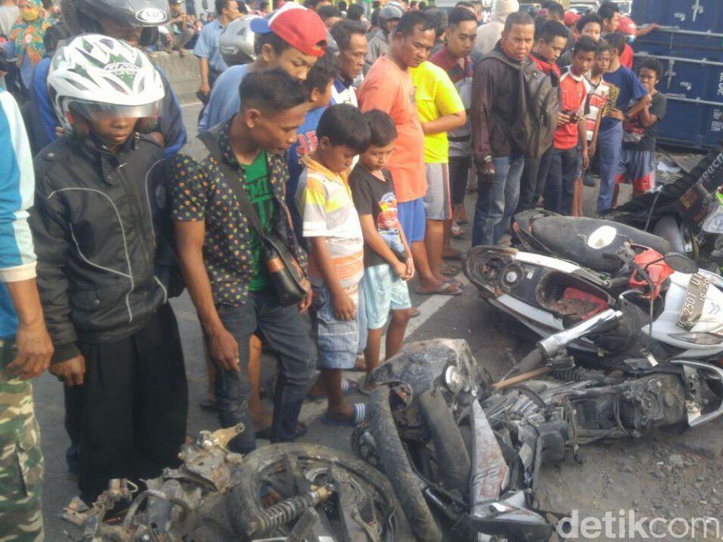 Foto: Kengerian Kecelakaan Beruntun di Semarang