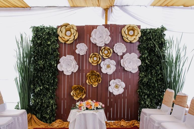 15 Inspirasi Dekorasi Paper Flower Yang Cantik Untuk Lamaran