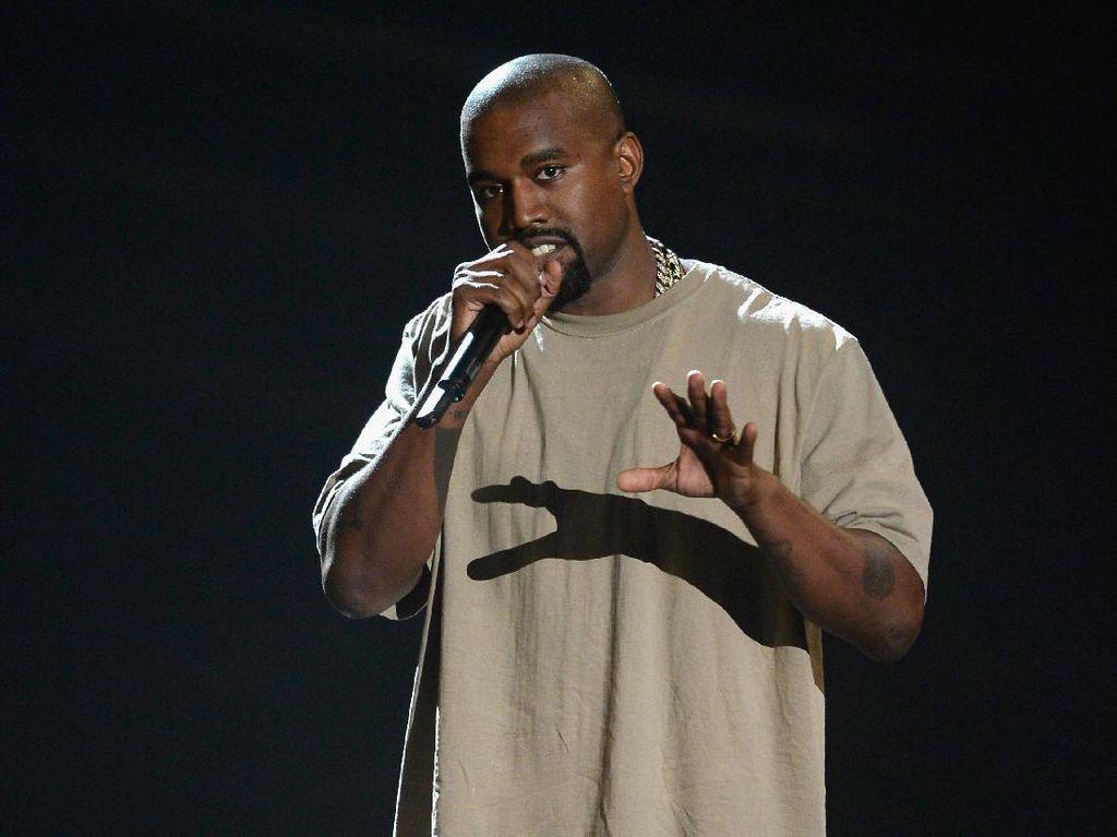 Kicauan Kanye West akan Jadi Buku?