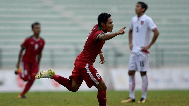 Evan Dimas jadi bagian timnas Indonesia dalam duel lawan Myanmar pada SEA Games 2017.