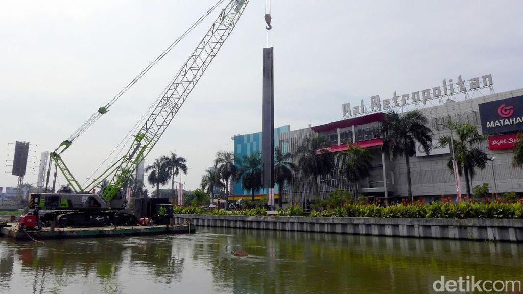 Pemasangan Turap di Kalimalang Antisipasi Banjir