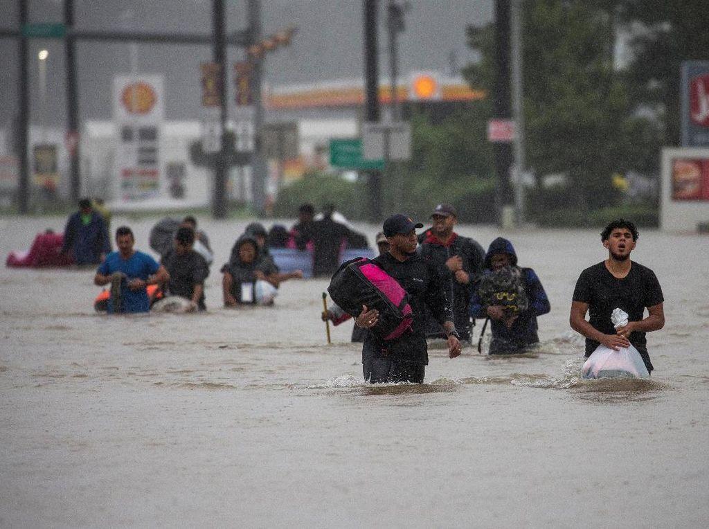 Derita Texas: Diterjang Badai Harvey, Terancam Ledakan Kimia