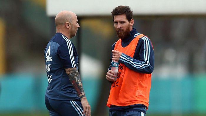 Jorge Sampaoli kabarnya sudah tak diterima lagi oleh pemain Argentina (REUTERS/Marcos Brindicci)