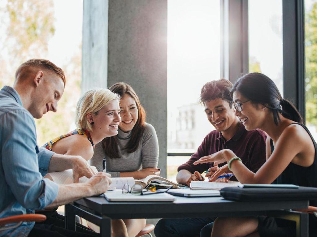 Ingin Kuliah di Luar Negeri? Simak Tips Meraih Beasiswa LPDP ala Alumni Unair