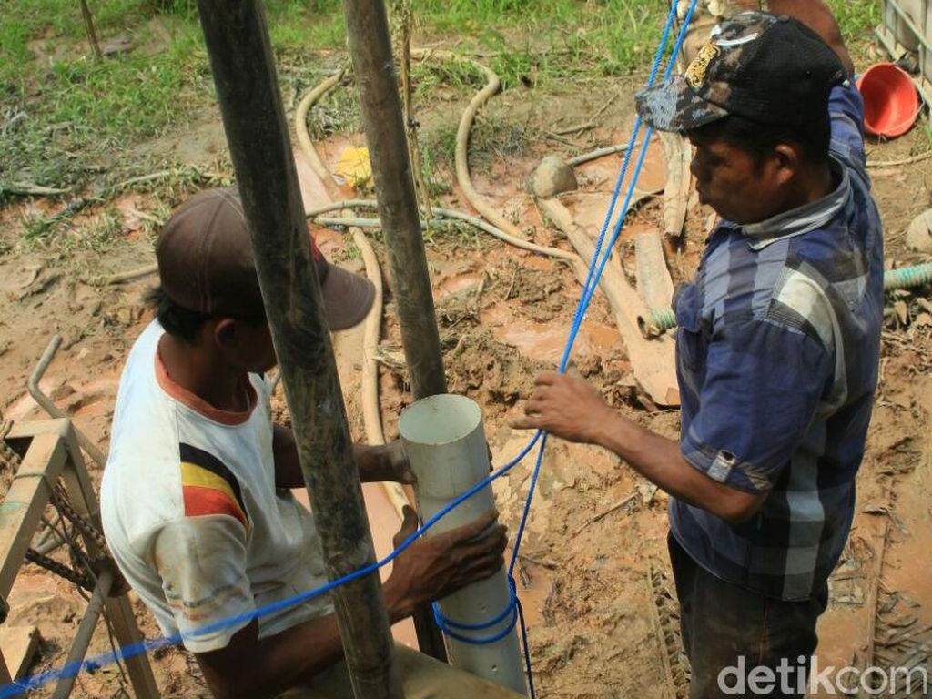 Mahasiswa Bangun Sumur Atasi Warga Krisis Air Bersih