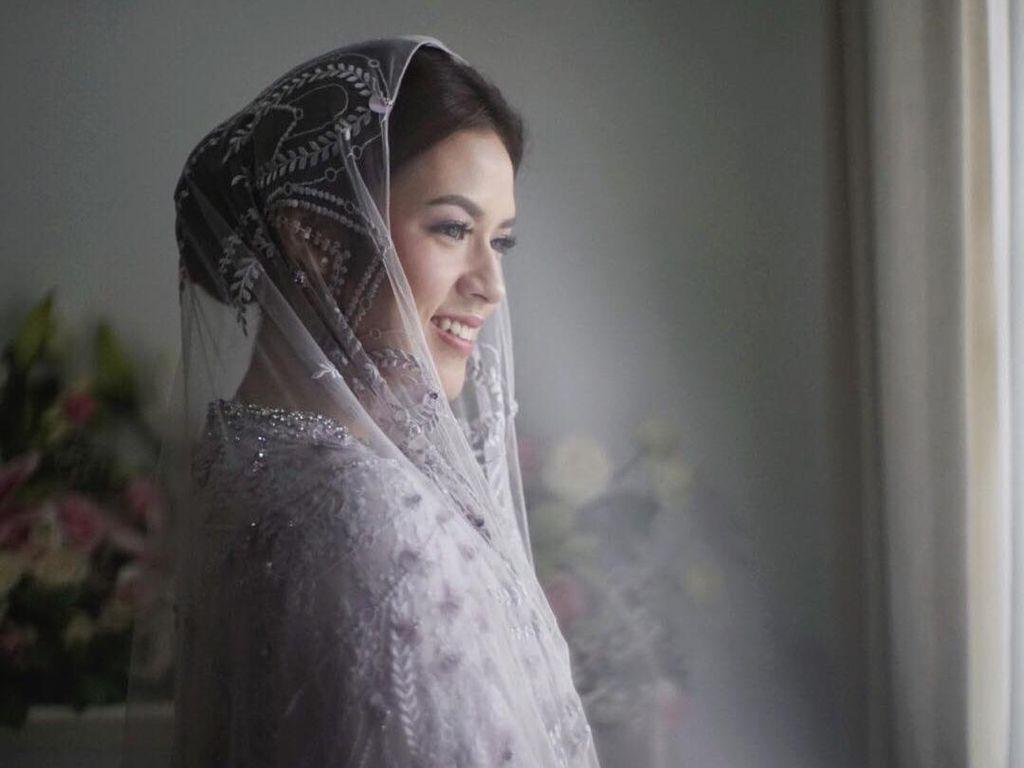 Foto: Cantiknya Raisa Pakai Gaun Bertabur Payet di Pengajian Jelang Nikah