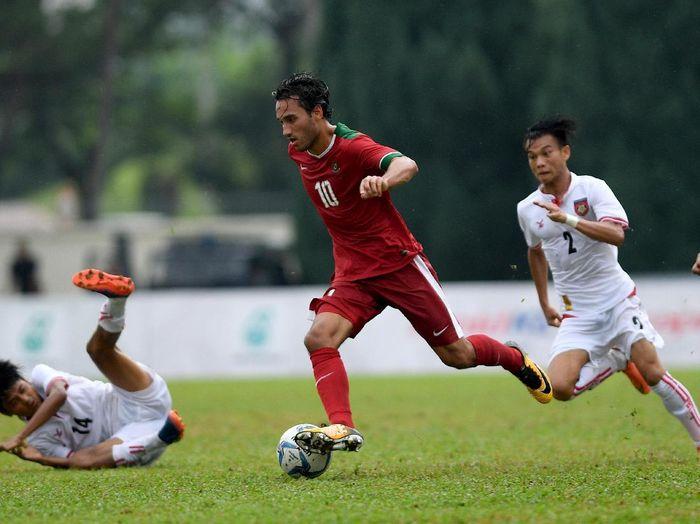 Pemain timnas Indonesia U-22, Ezra Walian. (Foto: Sigid Kurniawan/Antara Foto)