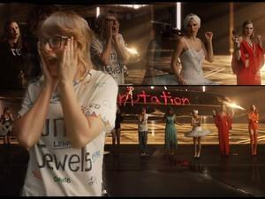 Taylor Swift Ditinggal Para Sahabat