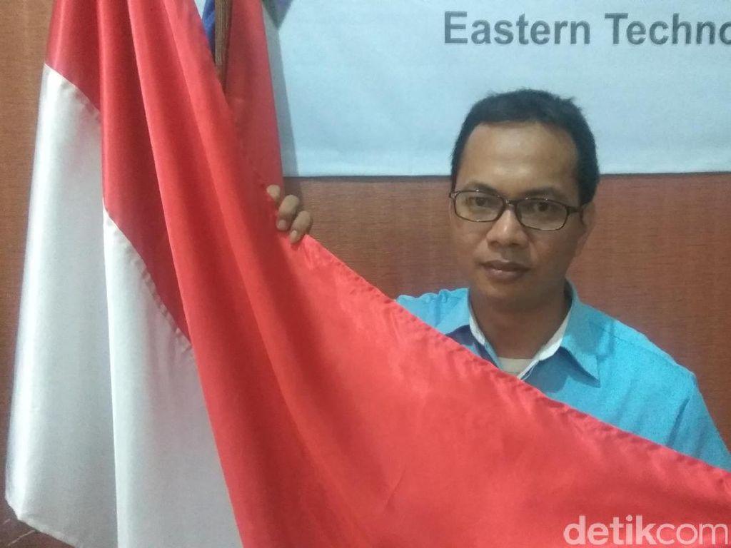 Cerita Lengkap Guru yang Betulkan Bendera Terbalik di Thailand