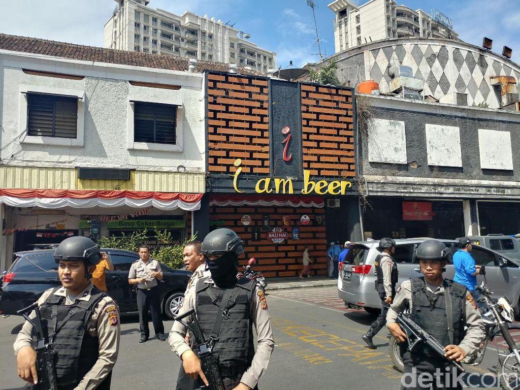 Polisi Gelar Rekonstruksi Kasus Bom Panci Buahbatu di Beer House
