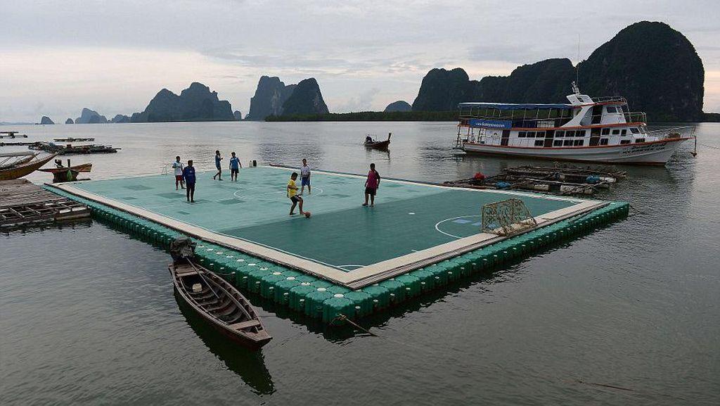 Foto: Lapangan-lapangan Sepakbola yang Tidak Biasa