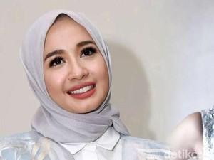 Laudya Cynthia Bella Foto Bareng Putri Engku Emran?