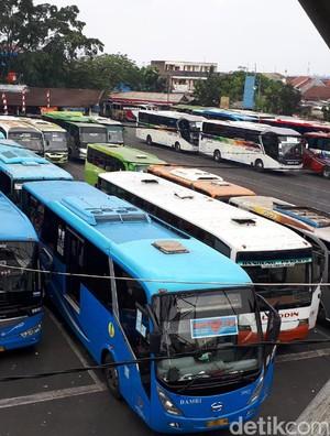 Jelang Idul Adha, Terminal Cicaheum Bandung Sepi