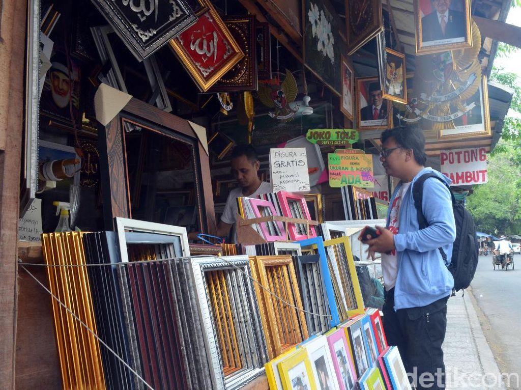 Pigura Gratis dari Joko Tole di Cirebon, Siapa Mau?