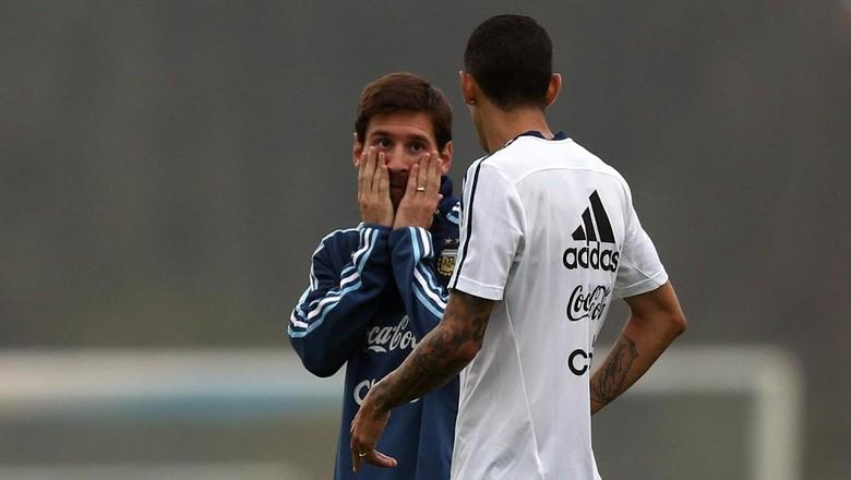 Pelukan Messi untuk Bocah yang Dilarang Bertemu Dirinya