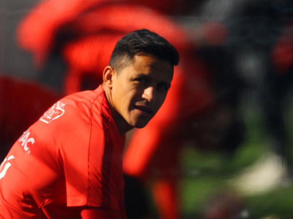 Di Tengah Situasi Buruk, Sanchez Tidak Frustrasi