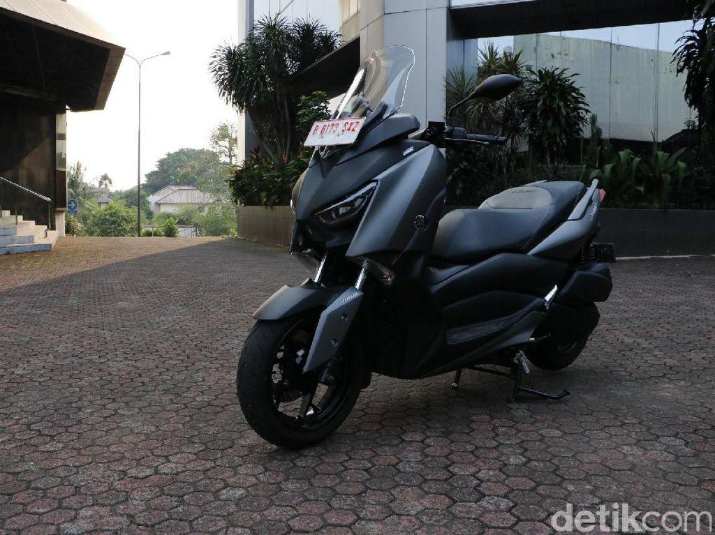 Keliling Kota Bersama Yamaha XMAX 250