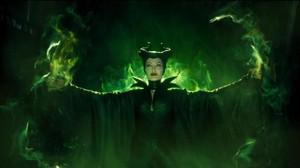 Maleficent 2 Gaet Penulis Naskah Spectre?