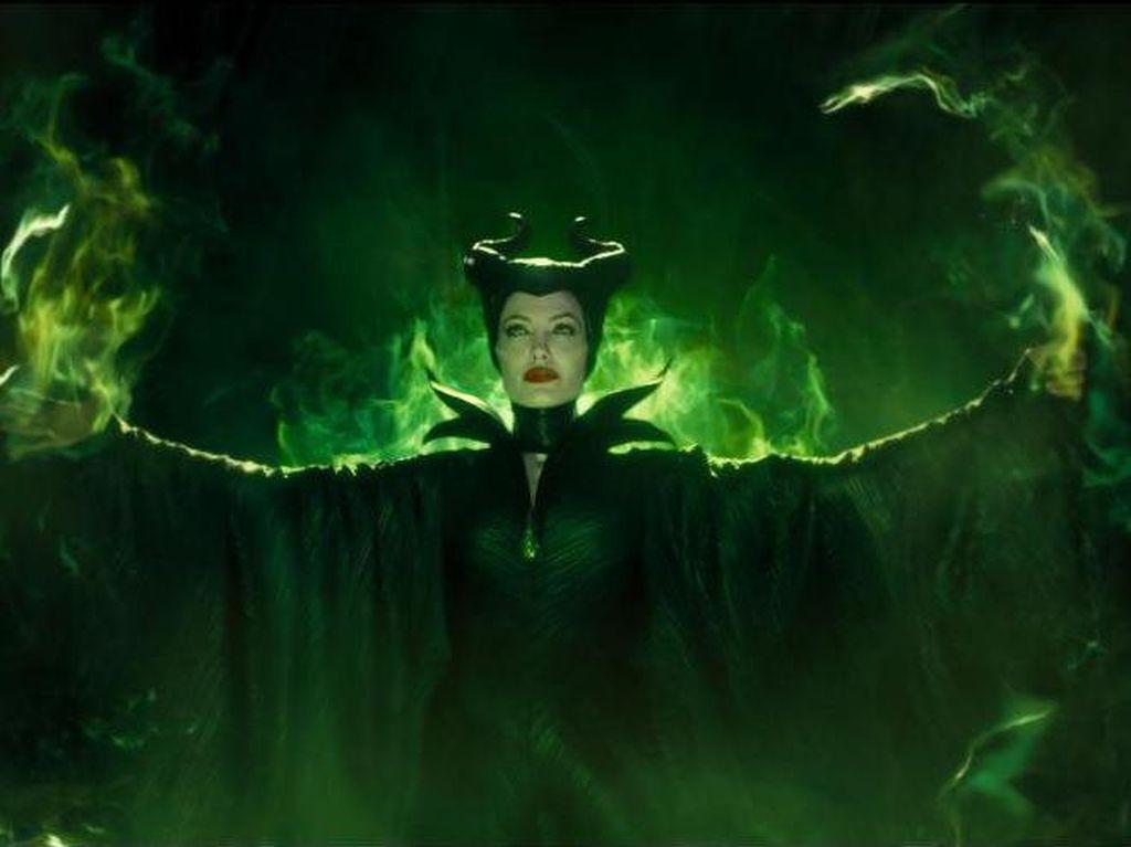 Kembalinya Angelina Jolie Si Peri Pembawa Kutukan di Maleficent 2