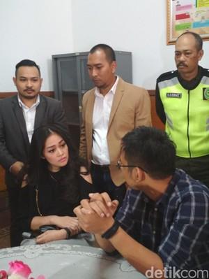 David NOAH Sulit Katakan Masalah Pernikahannya dengan Gracia Indri