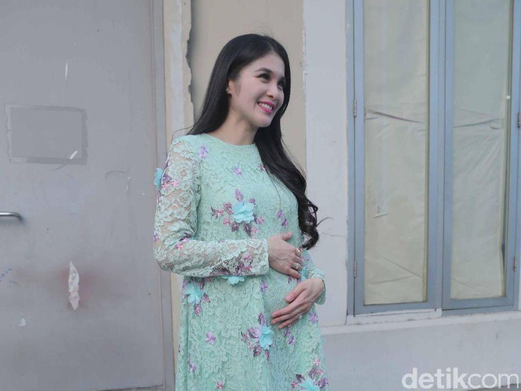Ini Cerita Ngidam Unik Sandra Dewi, Kalau Bunda Gimana?