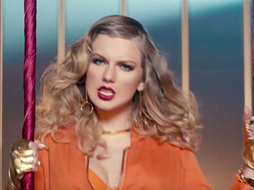 Foto: 12 Gaya Makeup & Rambut Taylor Swift di Video Look What You Made Me Do