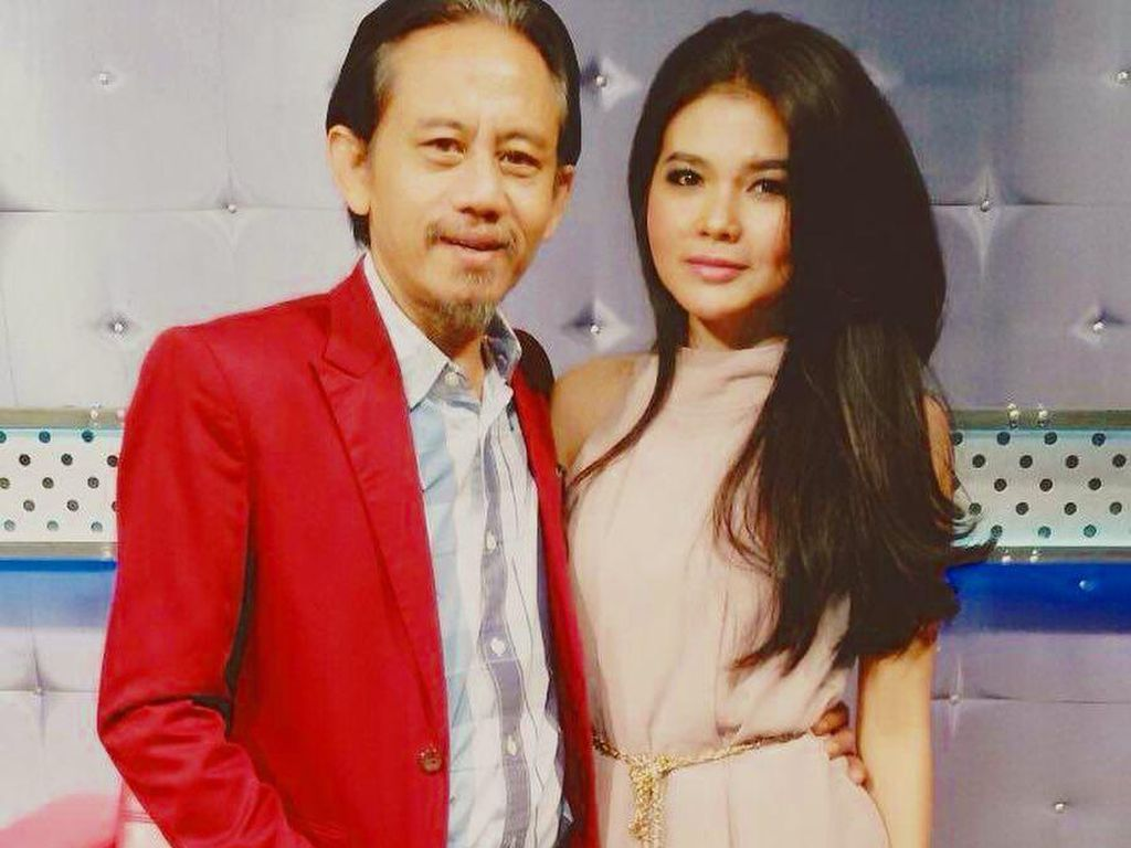 Istri Berhijab saat Antar Anak Sekolah, Epy Kusnandar: Mirip Siti Nurhaliza