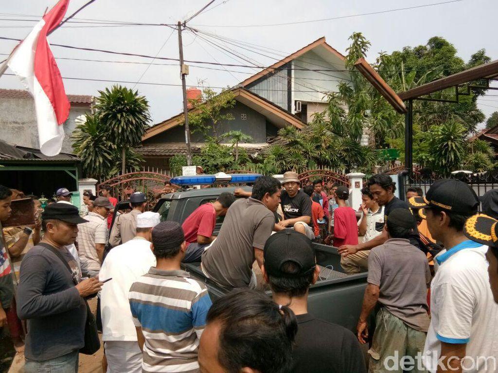 Polisi Tembak Kerbau Kurban yang Ngamuk di Pondok Gede