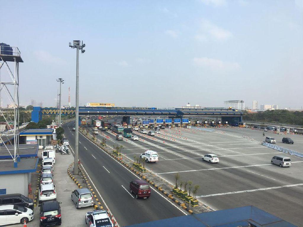 55.776 Kendaraan Masuk Jakarta Via Tol pada H+1 Lebaran