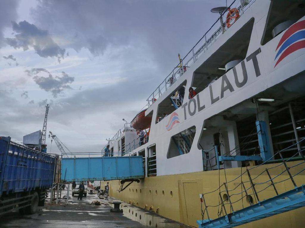 3 Tahun Jokowi, Tol Laut Diklaim Pangkas 20% Harga Barang