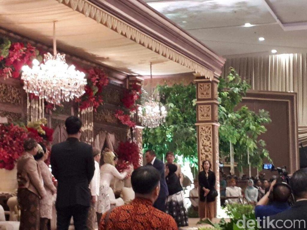Mantan Kapolri Reuni di Pernikahan Anak Buwas-BG