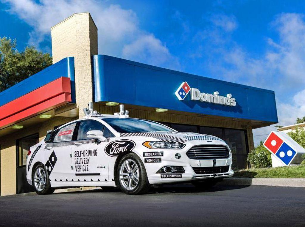 Mobil Otonom Jadi Mobil Pengirim Pizza