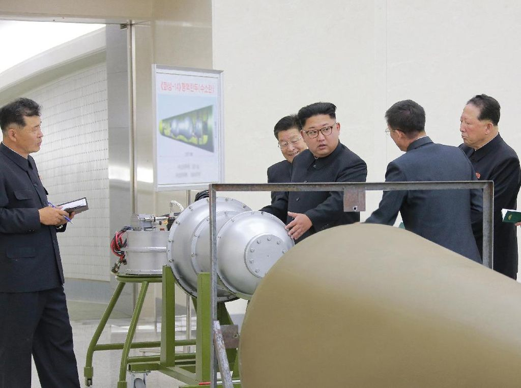 Kim Jong-un Pamer Bom Hidrogen