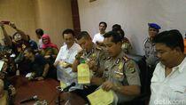 Pelempar Petasan di Stadion Bekasi Beli Rocket Flare via Online
