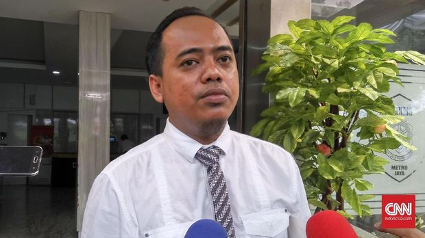 Muannas Alaidid menyambangi Ditreskrimsus Polda Metro Jaya untuk diperiksa terkait laporannya tehadap ujaran kebencian yang dilakukan Jonru Ginting.