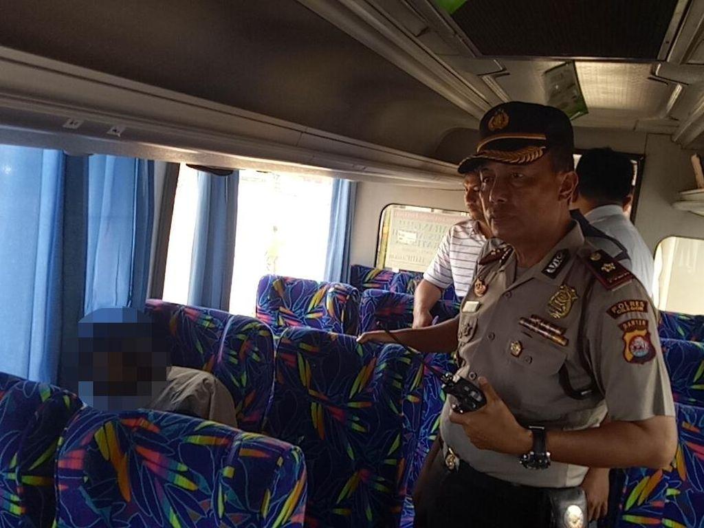 Dikira Tidur, Pria Ini Meninggal di Kursi Penumpang Bus Merak