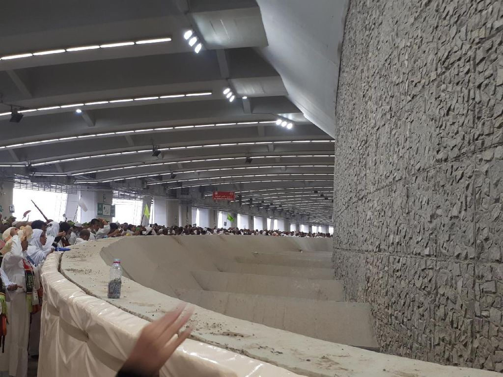 Ini Waktu Larangan Lempar Jumroh Bagi Jemaah Haji Indonesia