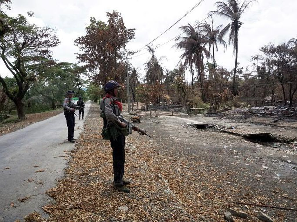 Helikopter Militer Serang Warga Rohingya di Rakhine, 5 Orang Tewas