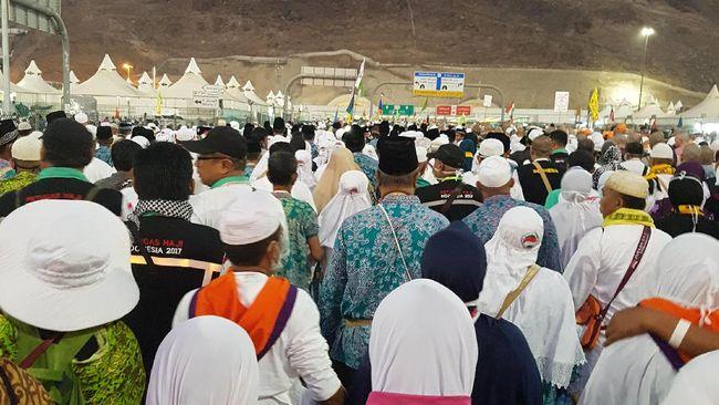 Arab Saudi Tarik Pajak 5%, Bagaimana Nasib Biaya Haji dan Umrah?
