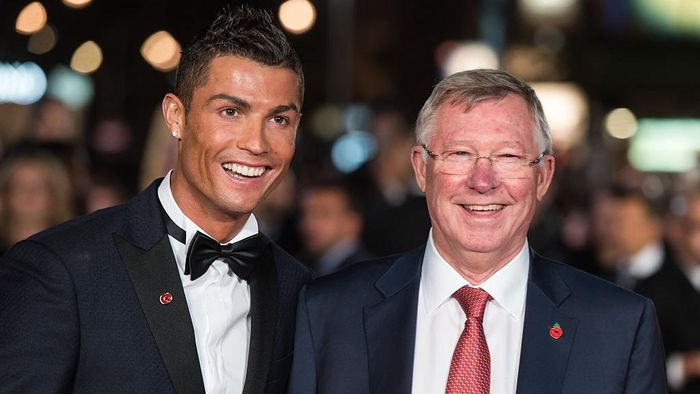 Cristiano Ronaldo dan Sir Alex Ferguson (Foto: Ian Gavan/Getty Images)