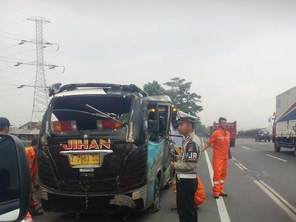 2 Mobil Tabrakan di Tol Purbaleunyi, 1 Orang Tewas