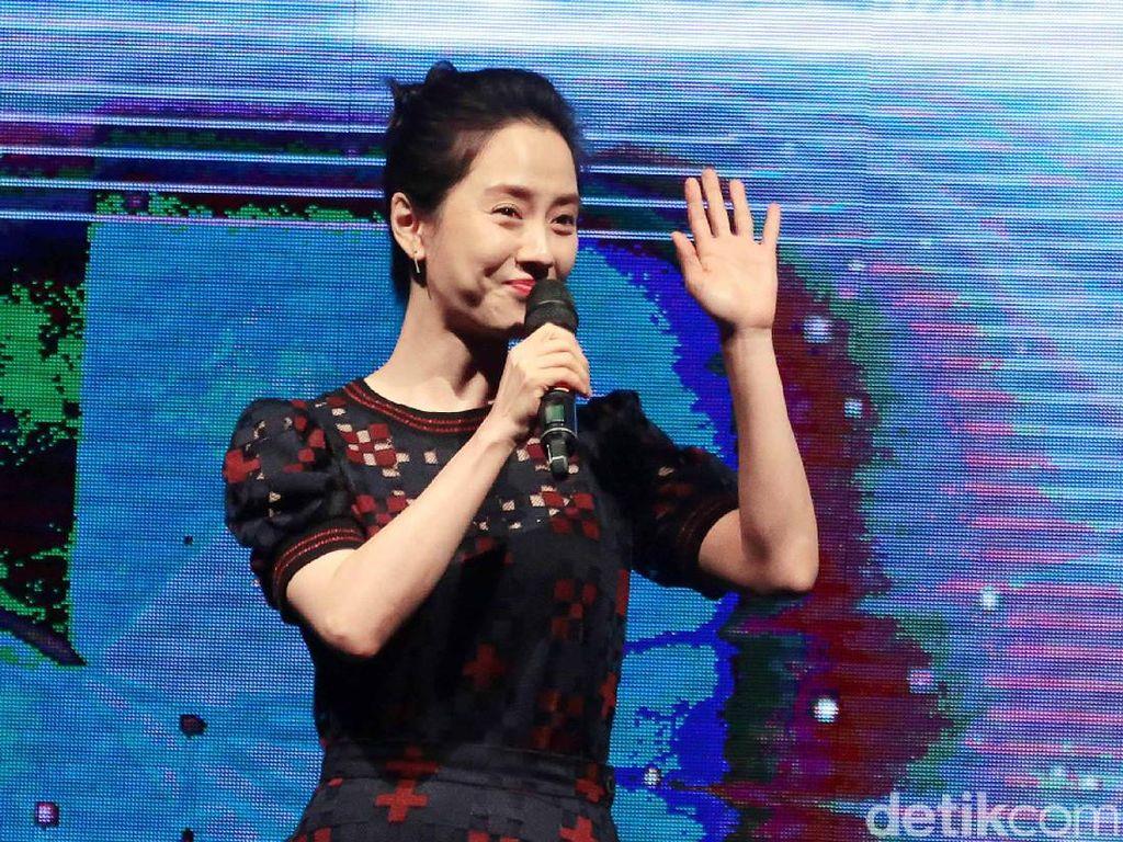 Serunya Song Ji Hyo Saat Masak hingga Momen Kulineran Putri Maruf Amin