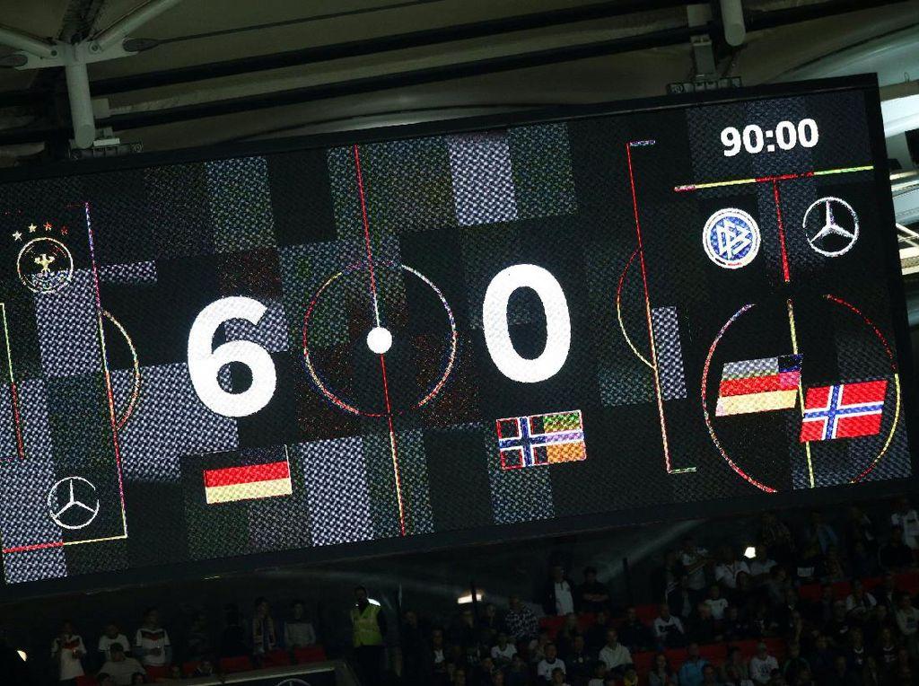 Pesta Setengah Lusin Gol Jerman