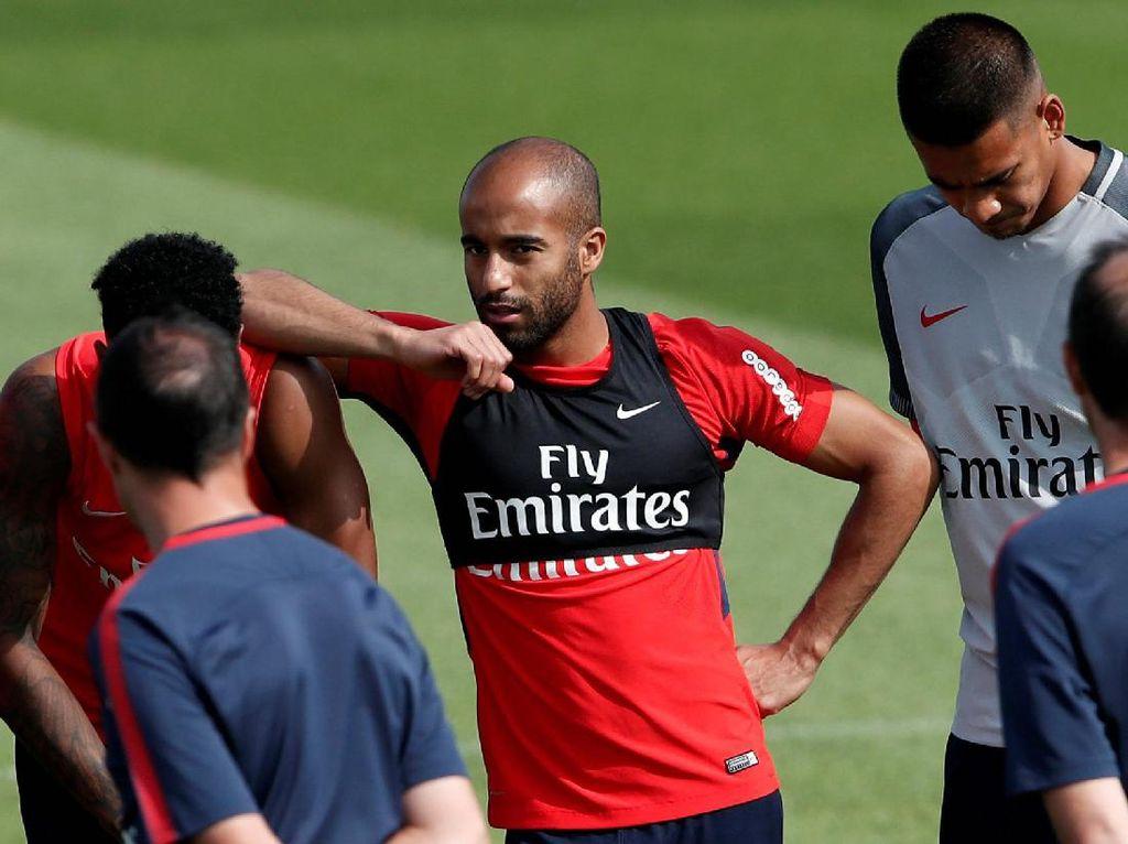 Lucas Moura Indikasikan Siap Main di Premier League
