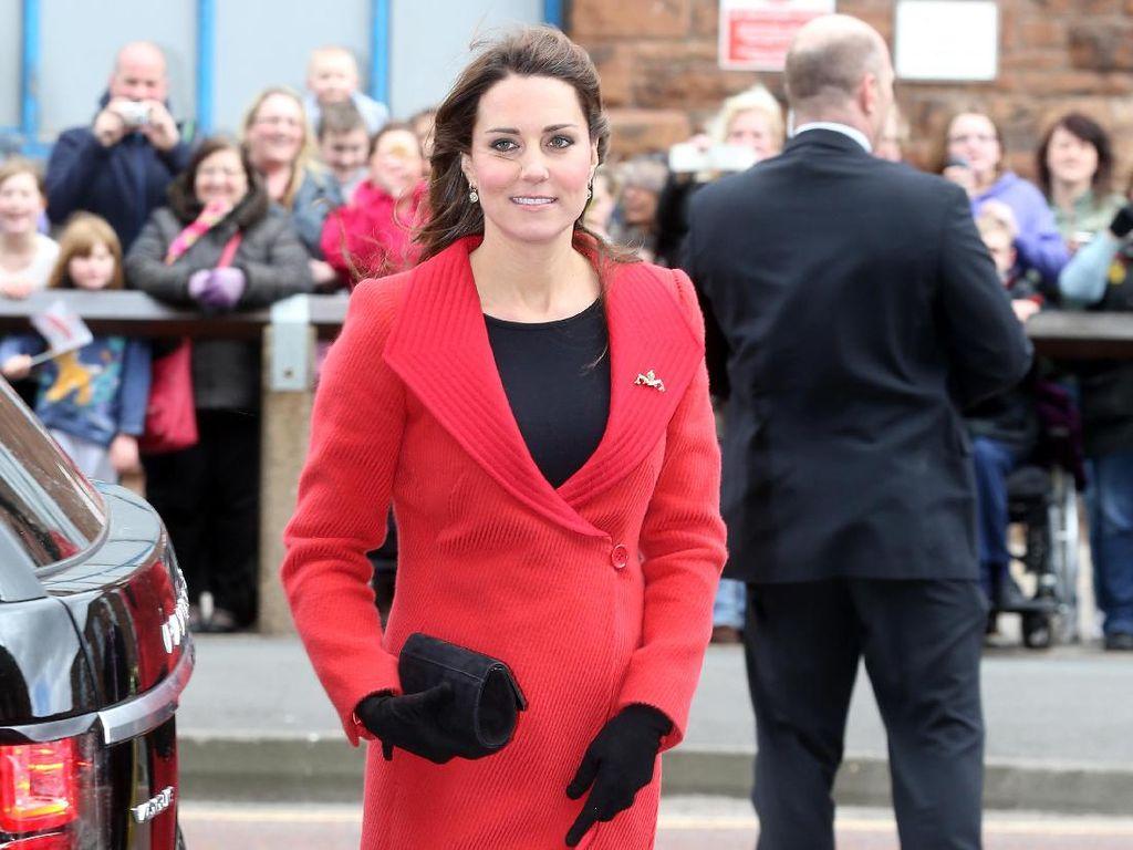 Hamil Anak Ke-3, Simak Lagi 10 Gaya Kehamilan Kate Middleton yang Stylish