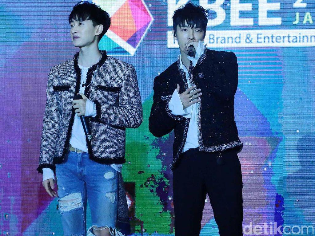 Super Junior Jualan Mantel Made in Indonesia, Netizen Heboh