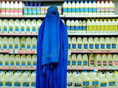 Fabian muir, fotografer yang sanggup penghargaan alasannya ialah perempuan pakai burqa.